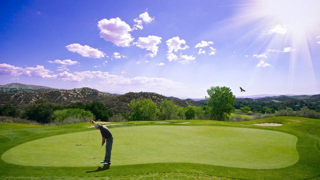 Golfen is sportief en ontspannend bezig zijn